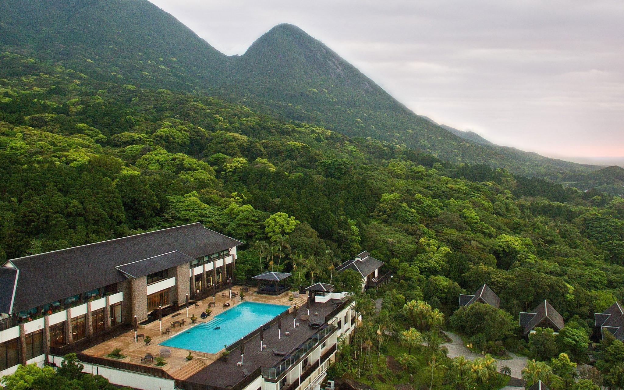 CREA Traveller WEBメンバー限定 <br />サンカラ ホテル&スパ 屋久島の <br />宿泊券を1組様に